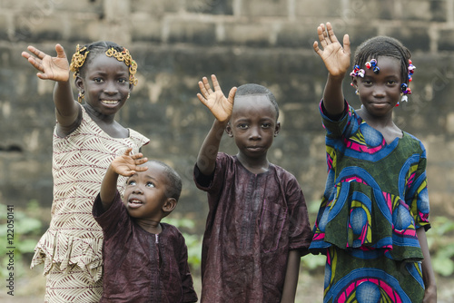 African Children Waving Hello and Goodbye! Plakát