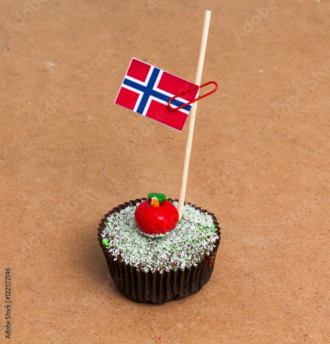 Photo  flag of norway on a cupcake