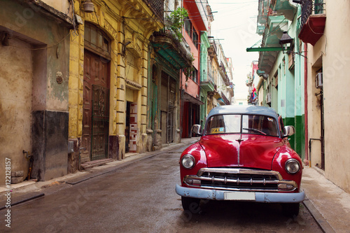 Fotobehang Havana Classic old car on streets of Havana, Cuba