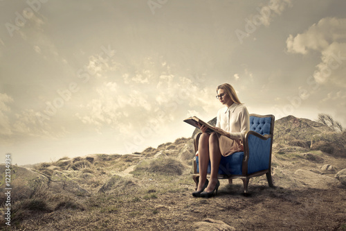 Fotobehang Fantasie Landschap Reading in a quiet place
