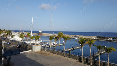 Foto auf AluDibond Stadt am Wasser Beautiful coast and harbor of the Canary Island of Lanzarote