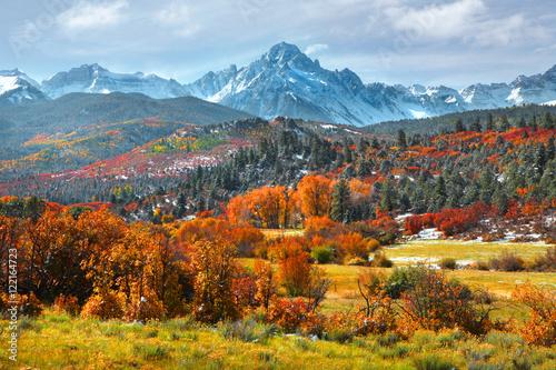 sneffles-szczyt-w-kolorado-w-czasie-jesieni