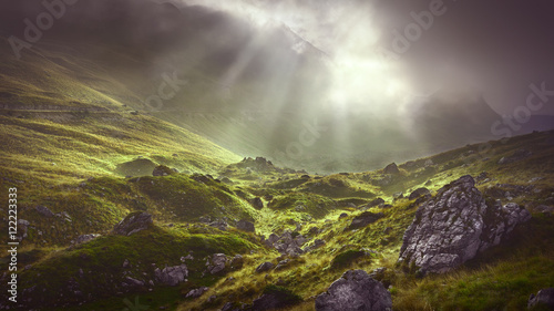 Foto auf AluDibond Gebirge Misty mountain at dramatic cloudy morning