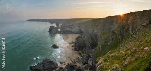 In de dag Kust Sunrise at Bedruthan Steps, Cornwall