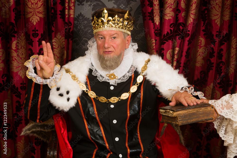 Fototapeta King swearing an oath