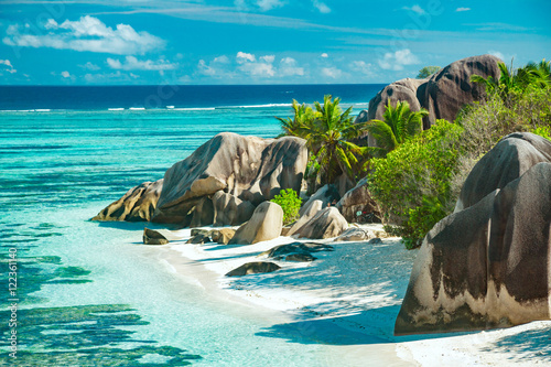 Ingelijste posters Eiland The most beautiful beach of Seychelles - Anse Source D'Argent