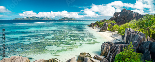 Cuadros en Lienzo The most beautiful beach of Seychelles - Anse Source D'Argent