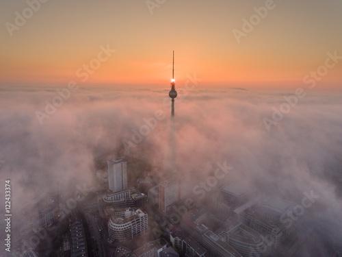 Door stickers Berlin Fernsehturm mit Nebel
