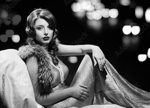 Papel de parede  glamor fashion lady portrait. black and white