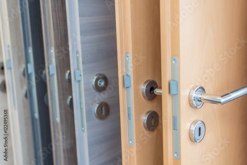 Fotografie, Tablou  Innentüren auswählen, verschiedene Holzfurniere