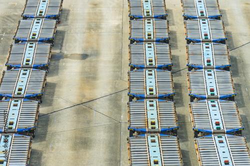 Photographie  Chariots de conteneur de voiture de travail d'aéroport