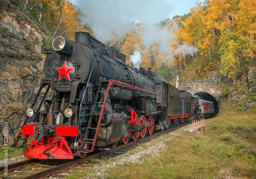 Cuadros en Lienzo  Old steam locomotive in the Circum-Baikal Railway