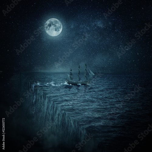 Fotografia Vintage, old ship sailing lost in the ocean at night