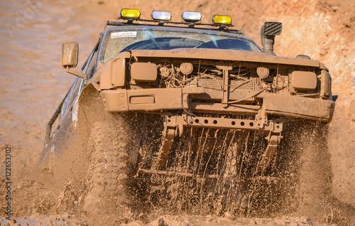 Fotobehang Motorsport arazi aracı ile macera