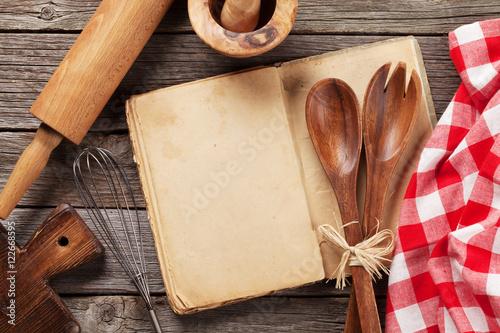 Fototapeta Blank vintage recipe cooking book and utensils obraz