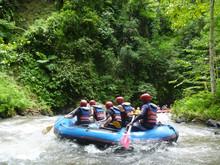 Whitewater Rafting. Telaga Waja River Bali / トラガワジャ川・ラフティング