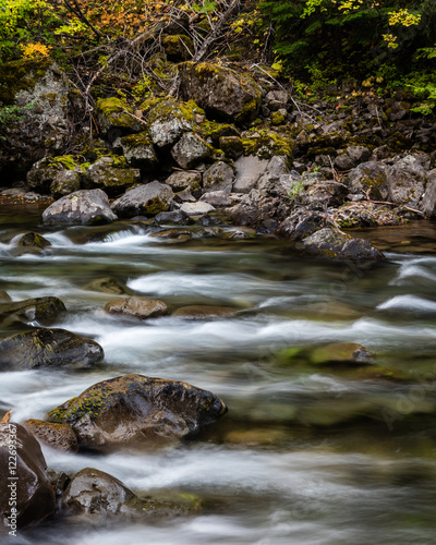 """Cuadros en Lienzo """"Down Stream""""  Not far from the point where Washington, Idaho and Oregon meet you will find surreal and scenic landscapes"""