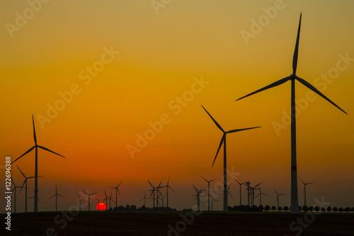 Zdjęcie XXL Turbiny wiatrowe w farmy wiatrowej