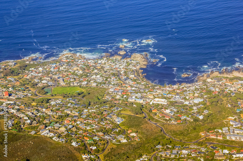 Photo Aerial view of Bantry Bay near Cape Town as seen from Lion's Head within the Table Mountain National Park in South Africa, Western Cape