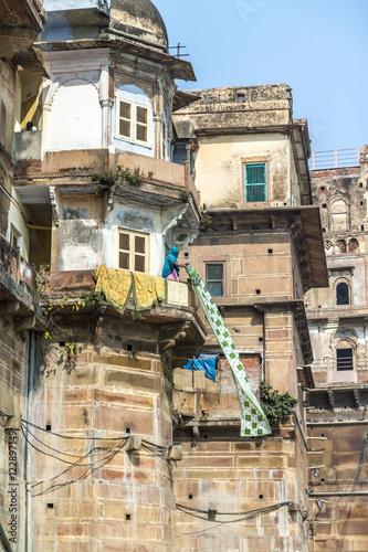 In de dag Havana Drying cloths in Varanasi
