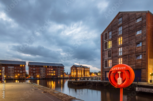 Gloucester Docks at dusk Canvas-taulu