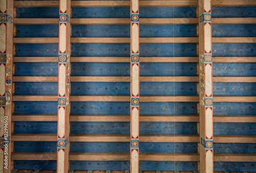 Fotografija  Inlaid Roof with Custom Trim