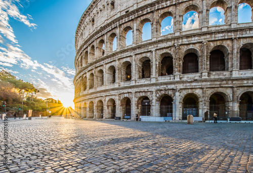 Fotografiet Colosseum at sunrise, Rome, Italy