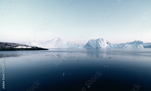 Printed kitchen splashbacks Glaciers Beautiful icebergs are on the arctic ocean in Greenland