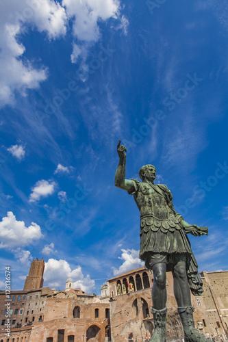 Photo  Emperor Trajan statue, in front of the Trajan's Markets. Rome, I