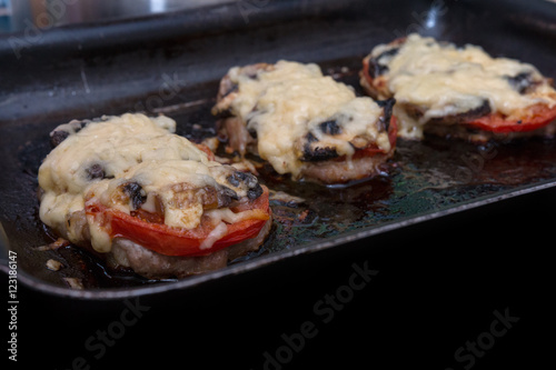 Valokuva  grilled meat on a baking sheet