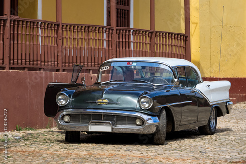 Garden Poster Cars from Cuba Kuba - Oldtimer in Trinidad