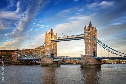 Poster London Tower Bridge at dusk