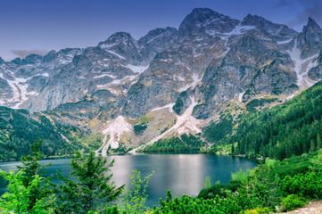 Obraz Krajobraz góry staw i las