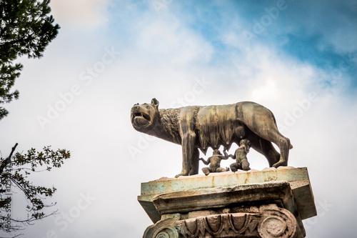 Fotografija  Statue de la louve et de Romulus et Rémus près de Capitole de Rome