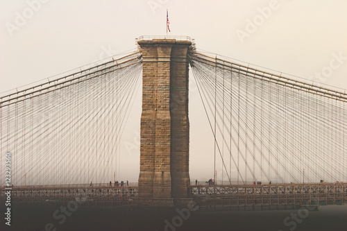 Foto auf Leinwand Brooklyn Bridge Brooklyn Bridge on a foggy day