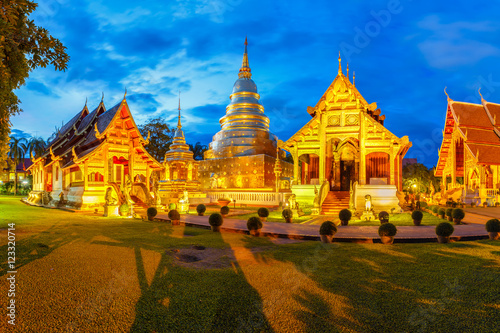 In de dag Bedehuis Wat Phra Singh is located in the western part of the old city center of Chiang Mai,Thailand
