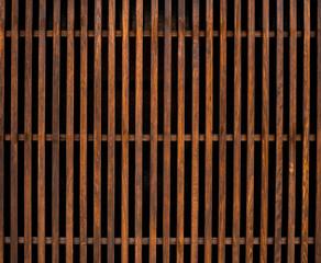 木の格子窓