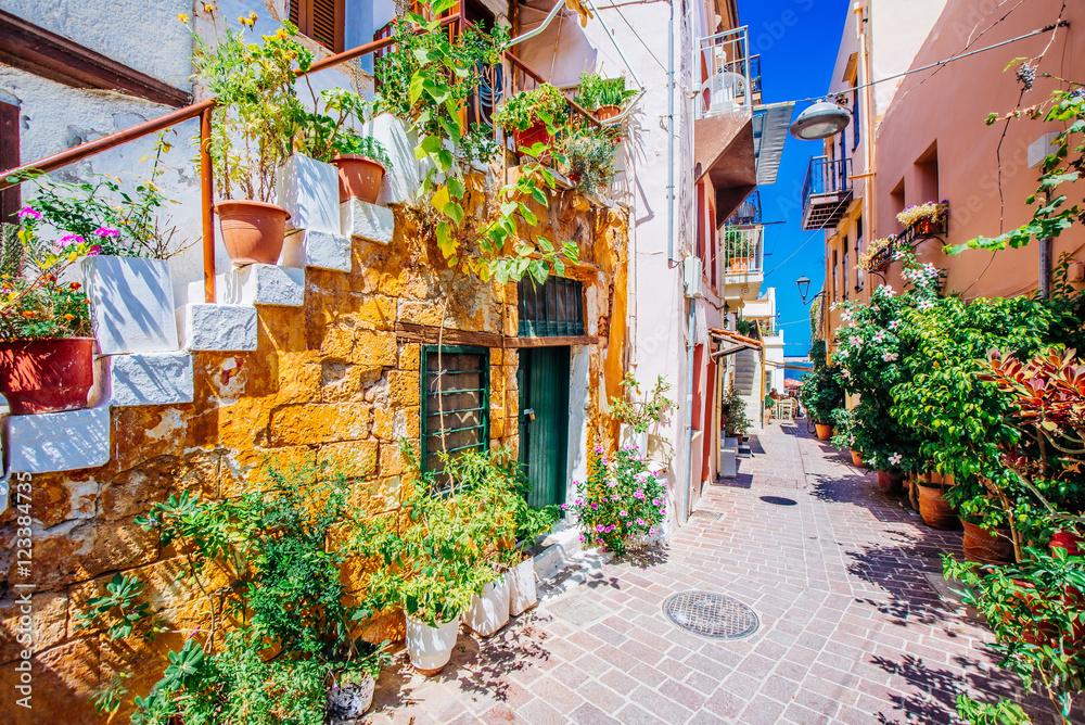 Fototapety, obrazy: Śródziemnomorska alejka, Chania, wyspa Kreta, Grecja