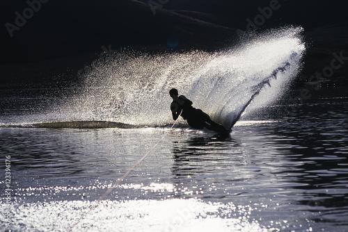 Fényképezés Waterskiing on Deer Creek Reservoir, Utah