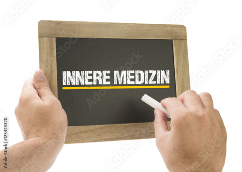 Fotografie, Obraz  Innere Medizin - Hand schreibt auf Kreidetafel