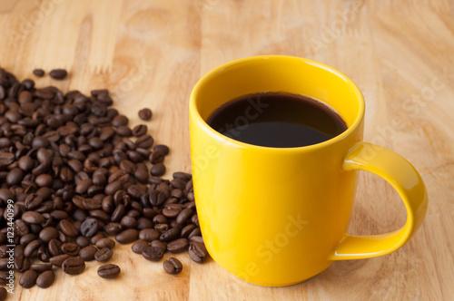 Fototapeta cup of coffee and coffee beans obraz