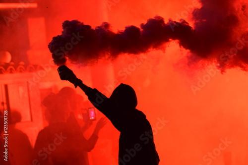 Stampa su Tela Manifestación y bote de humo