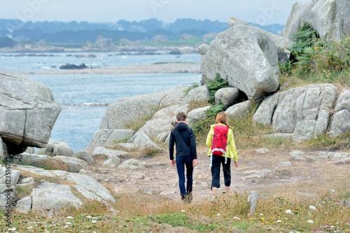 Fotografía  Randonnée en famille au gouffre de Plougrescant en Bretagne