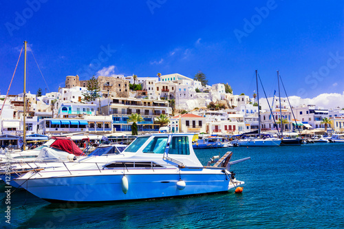 Spoed Foto op Canvas Stad aan het water beautiful Greek island - Naxos, view of marina and Chora village