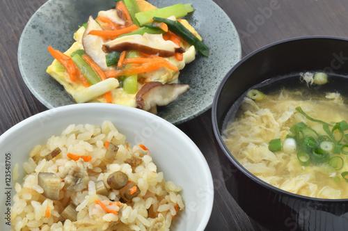 Deurstickers Klaar gerecht 日本料理の食卓