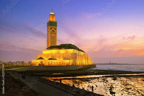 Stampa su Tela Hassan II Mosque during the sunset in Casablanca, Morocco