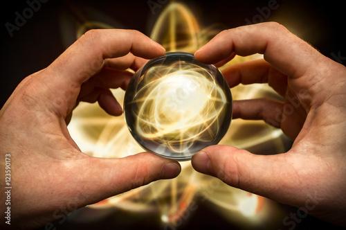 Fotografia, Obraz  Crystal Ball Atom