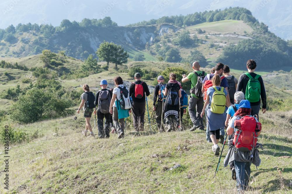 Fototapety, obrazy: Escursionisti in montagna