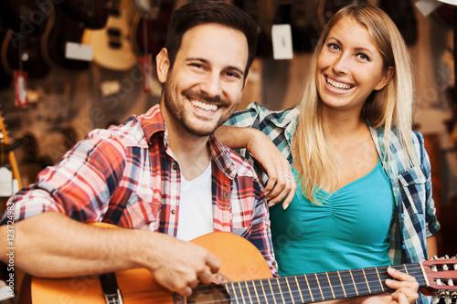 Spoed Foto op Canvas Muziekwinkel Musical instruments store
