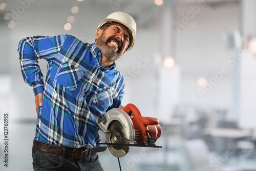 Fotografía  Hispanic Worker Suffering Back Injury
